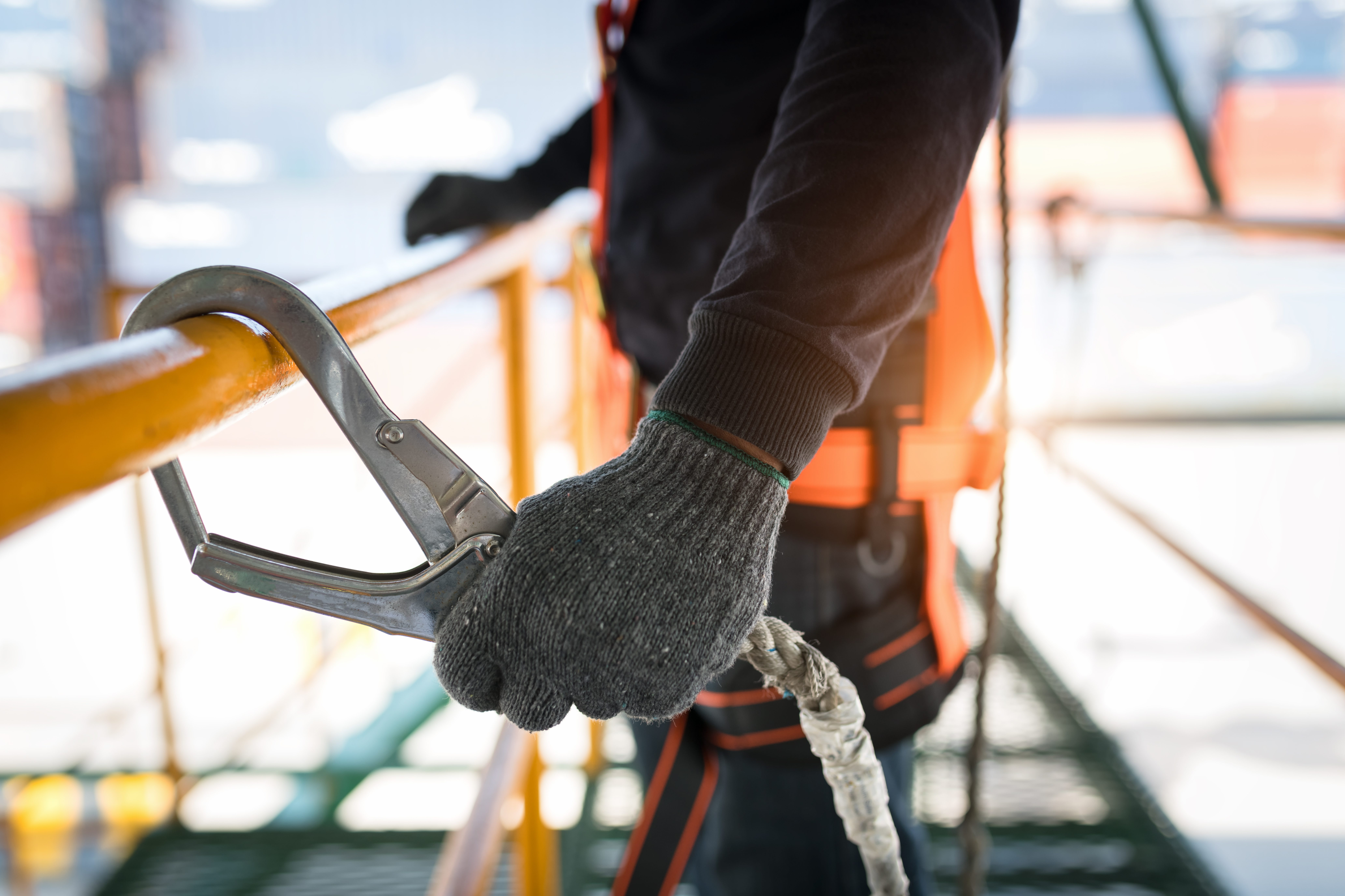 The Top Health and Safety Apps Your Construction Employees Need on Their Smartphones