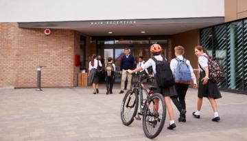 school safety kids walking into school