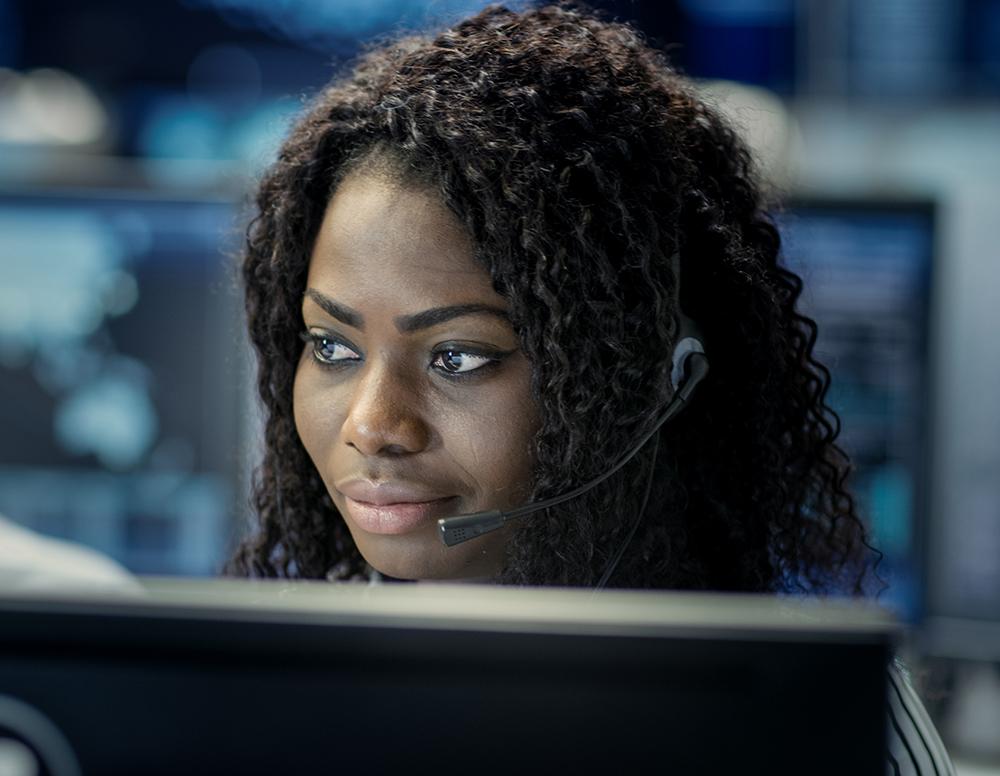 female employee headset call center